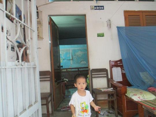 Minh Đăng ở phòng ngoài